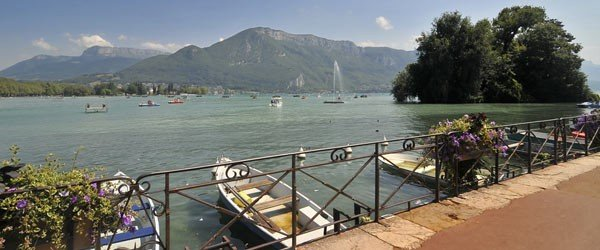 Un séminaire au vert sur les rives du lac d'Annecy