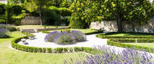 Les-Baux-de-Provence, un séminaire au chant des cigales