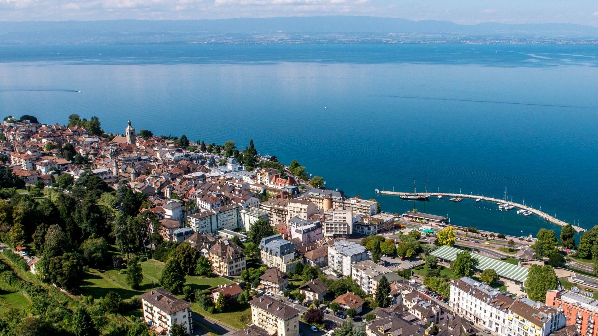 Evian-les-Bains, entre lac et montagne